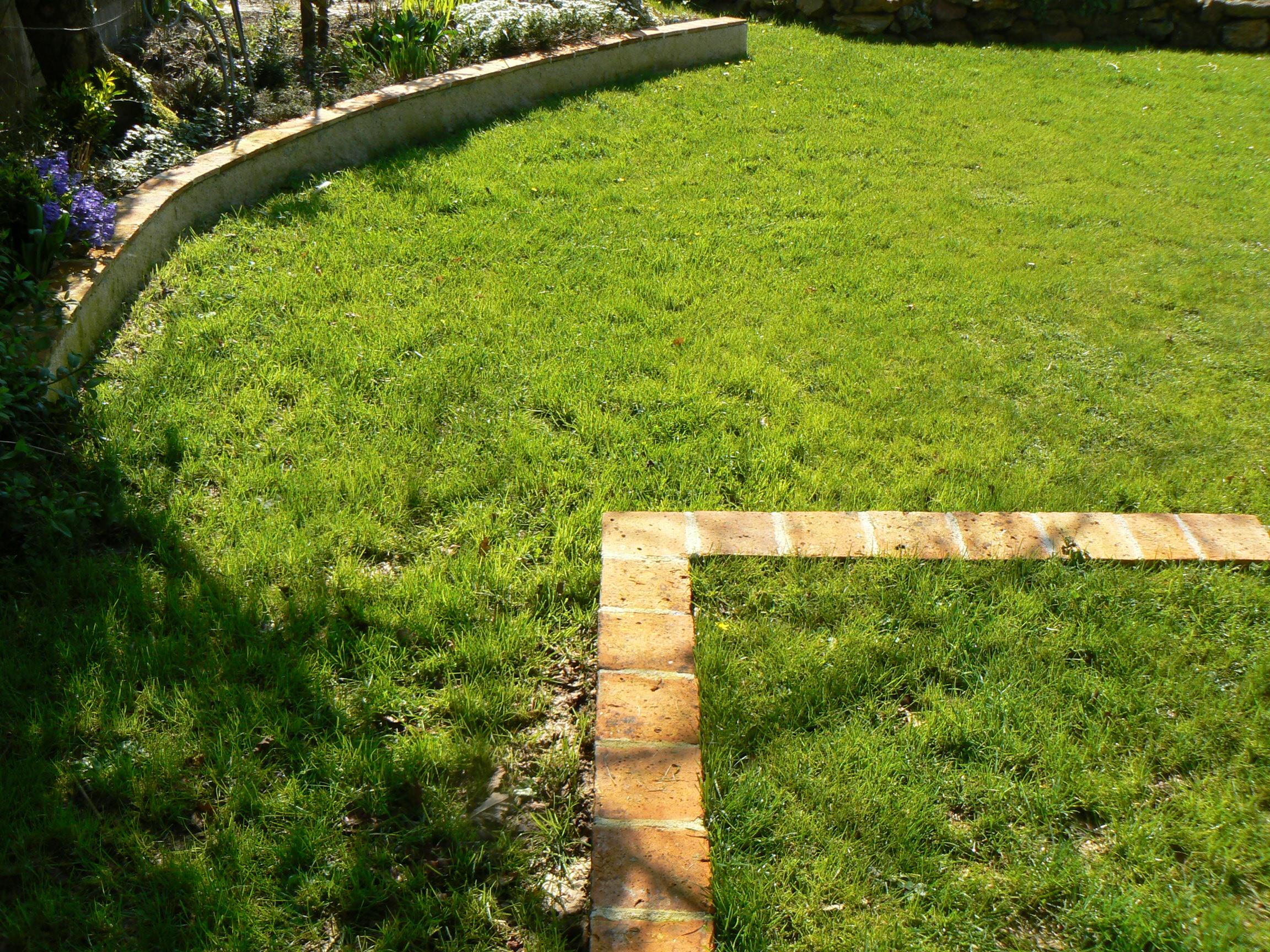 Tomettes scell es sur parpaings plan jardin 3d for Jardin 3d en ligne